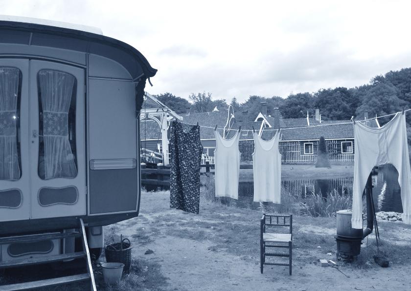Ansichtkaarten - Fotokaart woonwagen met waslijn