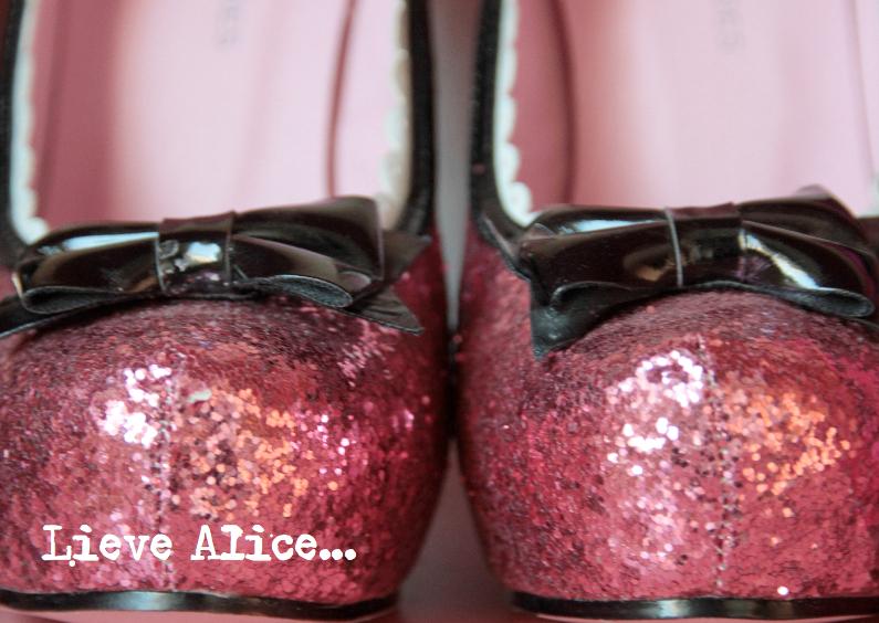 Ansichtkaarten - Roze schoenen