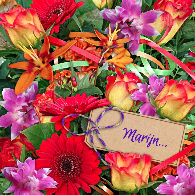 Bloemenkaarten - Vrolijke bloemenkaart met mooi boeket en kaartje voor naam