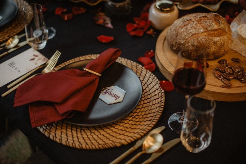 Bruiloft tafel bordeaux
