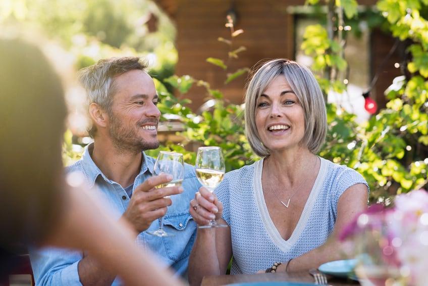 feestideeen 25 jaar getrouwd 25 jaar getrouwd: ideeën voor een leuk feest!   Kaartje2go feestideeen 25 jaar getrouwd