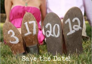 Save the date kaart datum op schoenen