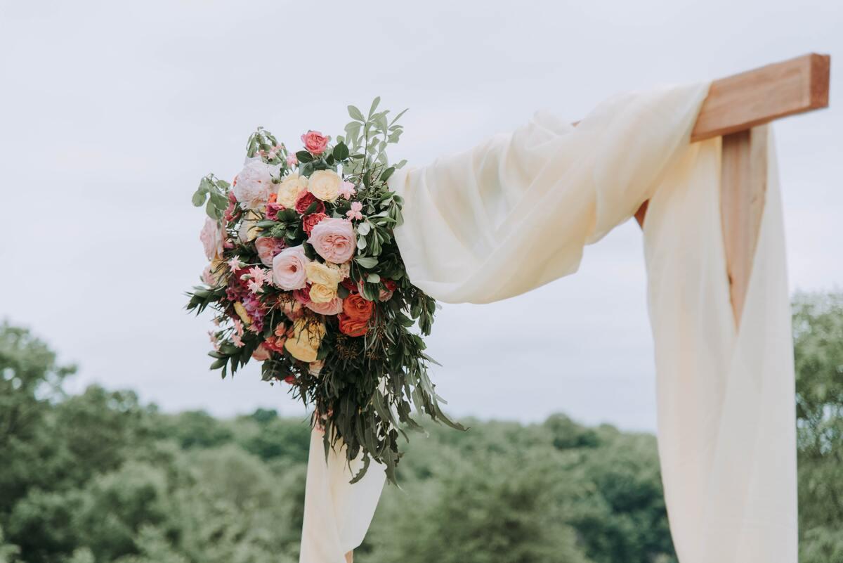 Bloemen bruiloft ceremonie