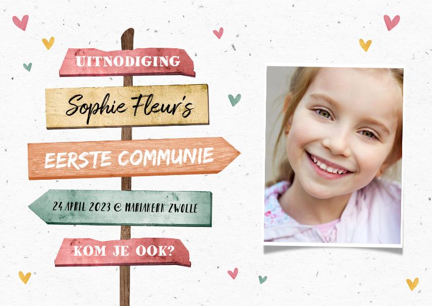 Communiekaarten - Communie uitnodiging meisje hip met wegwijzers en foto