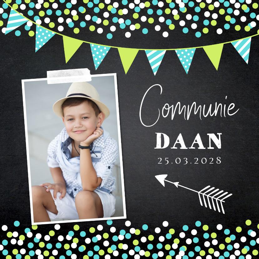 Communiekaarten - Communiekaart foto confetti slinger krijtbord jongen