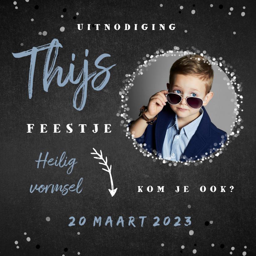 Communiekaarten - Uitnodiging vormsel jongen confetti foto krijtbord