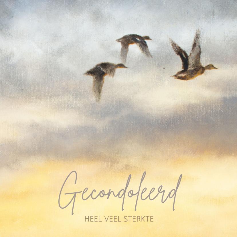 Condoleancekaarten - Condoleancekaart met wegvliegende vogels in gele lucht