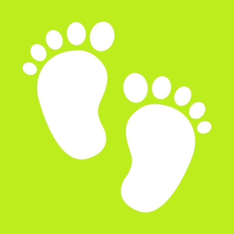 Felicitatiekaarten - Baby voetjes op groen.