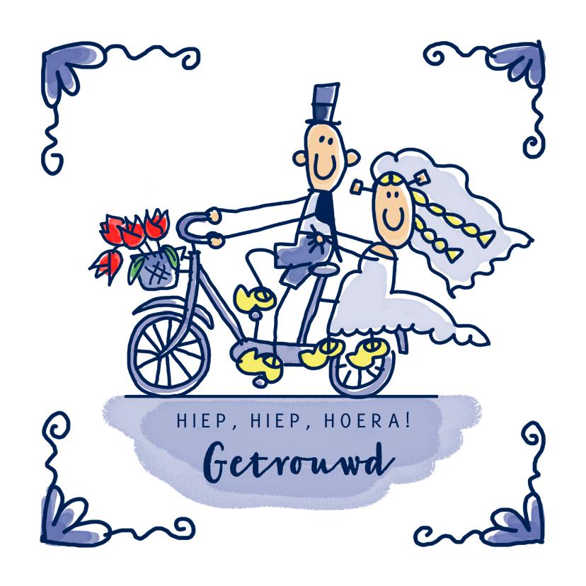 Felicitatiekaarten - Felicitatiekaart delfts blauw tegeltje getrouwd op de fiets