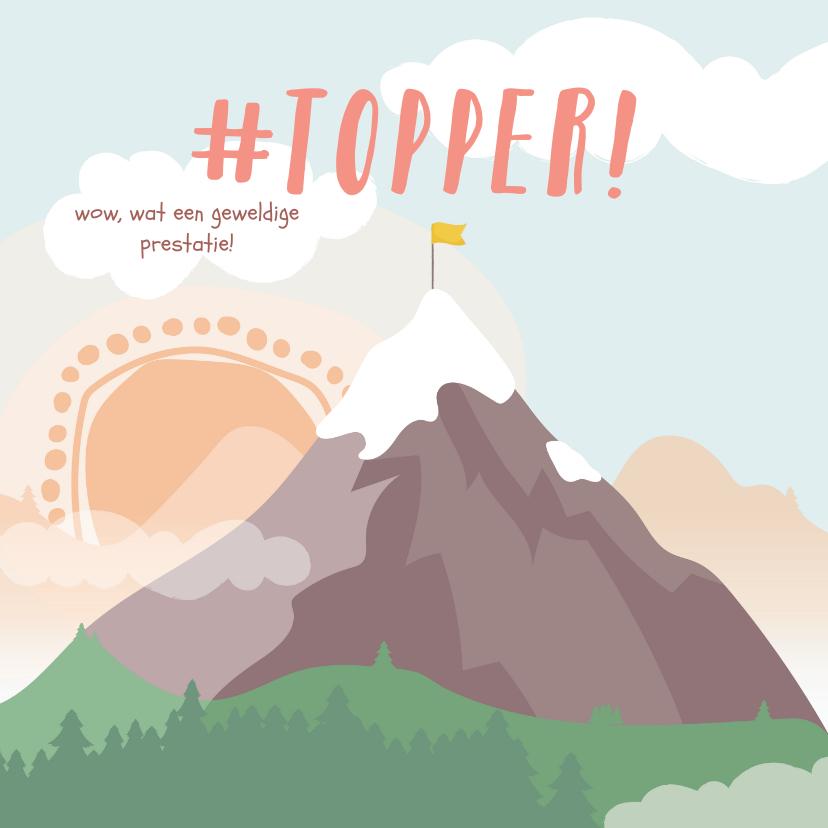 Felicitatiekaarten - Vierkante kaart met getekende berg met een vlag erop #topper
