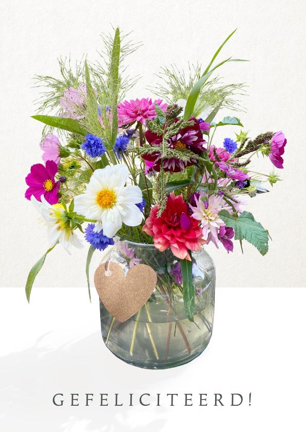 Felicitatiekaarten - Vrolijke felicitatiekaart met een fleurige bos bloemen