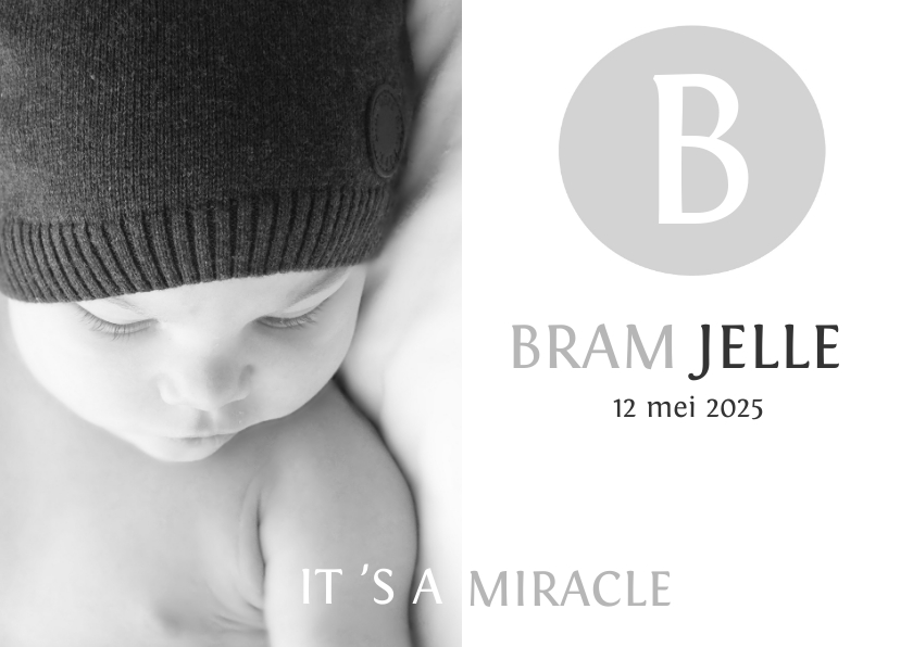 Geboortekaartjes - Geboortekaartje eenvoudig zwartwit met letter