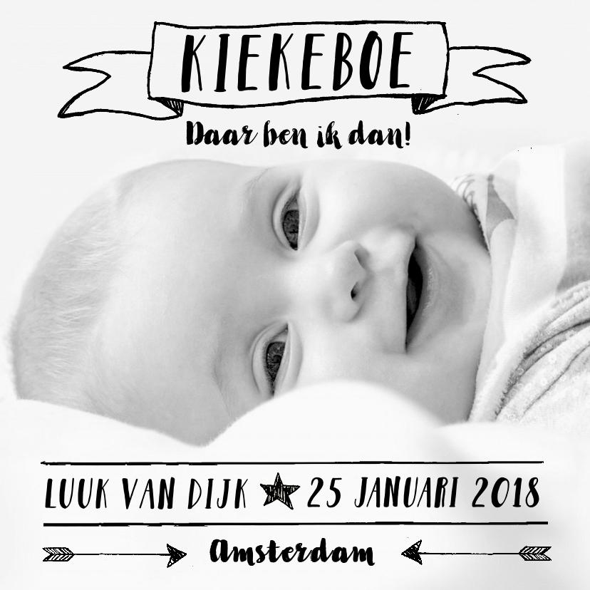 Geboortekaartjes - Geboortekaartje foto zwartwit stoer jongen