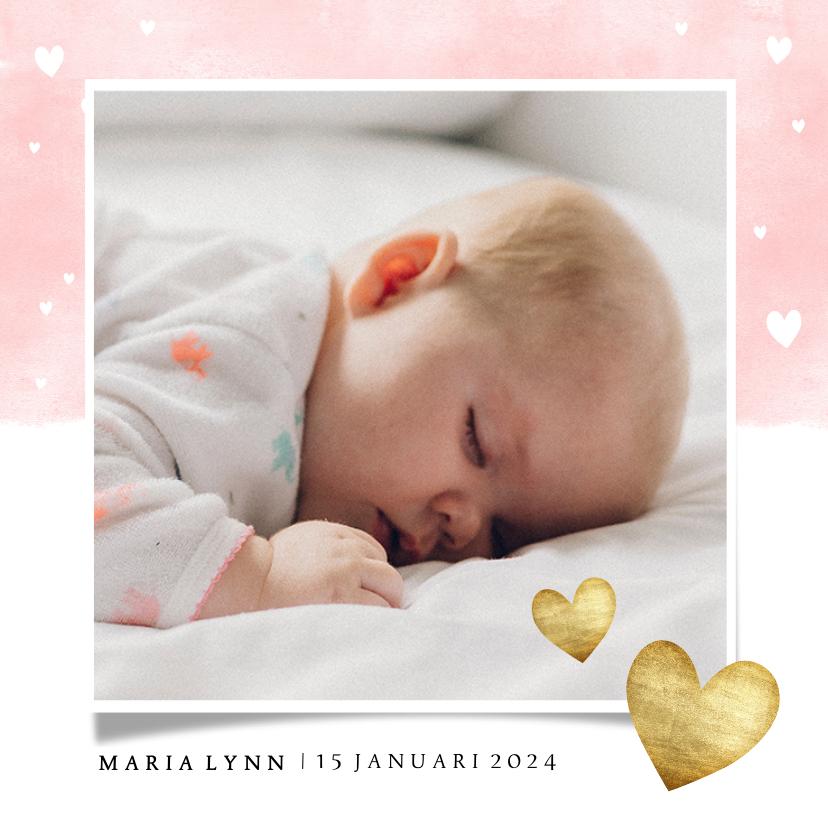 Geboortekaartjes - Lief geboortekaartje met roze waterverf en gouden hartjes