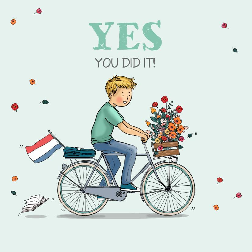 Geslaagd kaarten - Geslaagd jongen op hippe fiets