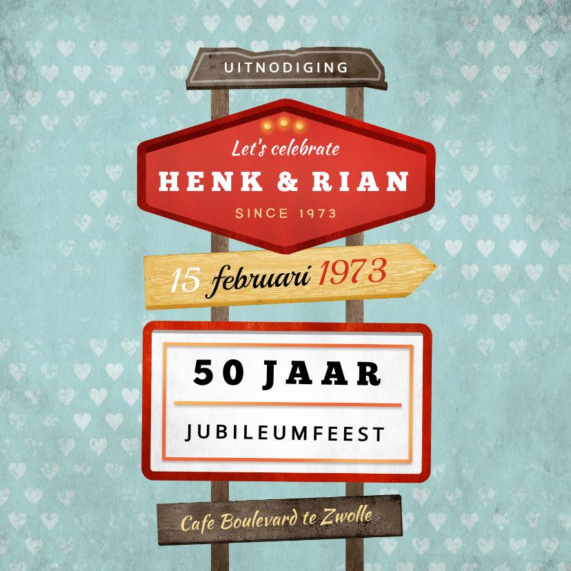 Jubileumkaarten - Jubileum uitnodiging retro vintage wegwijzers met hartjes