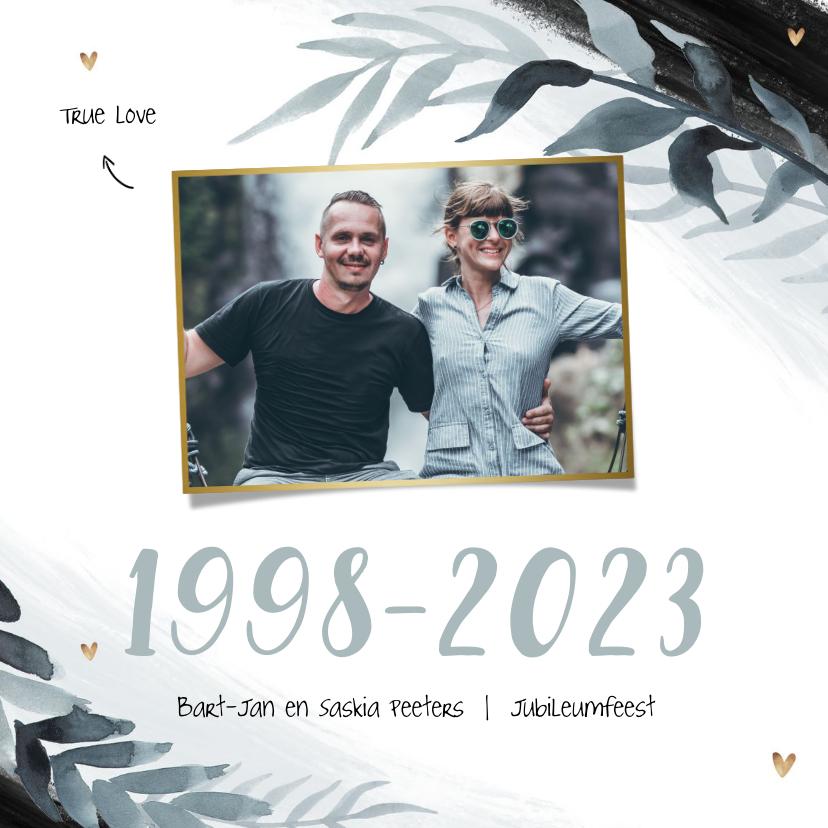 Jubileumkaarten - Uitnodiging jubileum 25 jaar stijlvol bladeren foto hartjes