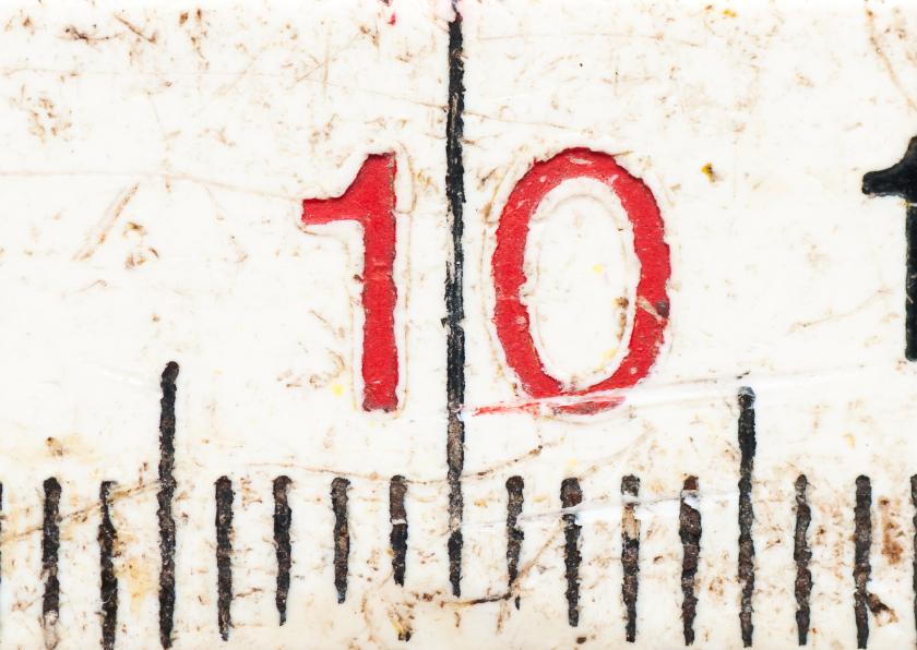 10 op oude witte duimstok 1