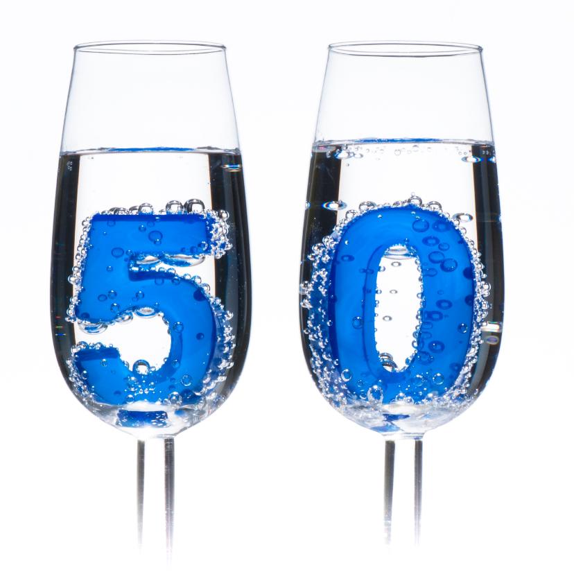50 in champagne glazen 2