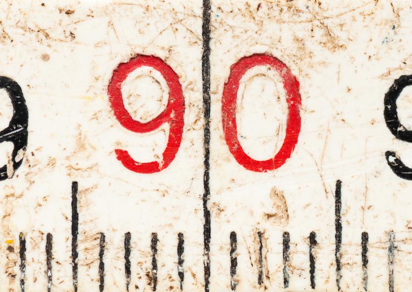 90 op oude witte duimstok 1