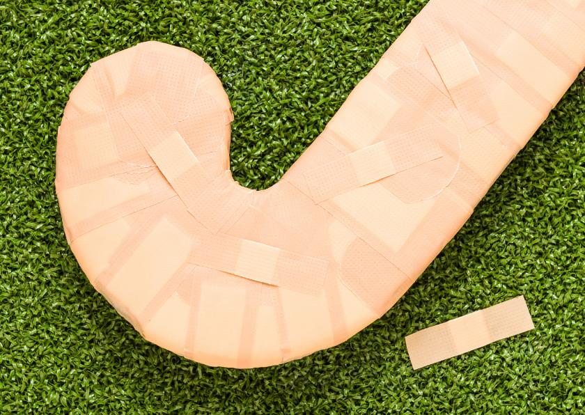 Hockey blessure met pleisters 1