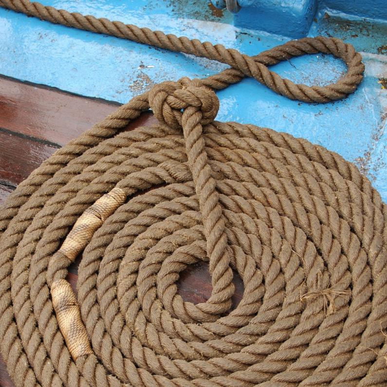 Nautisch - keurig opgerold touw 1