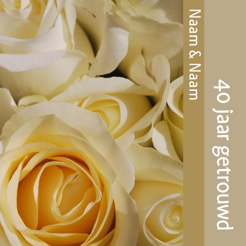 Stijlvolle uitnodiging beige wit roos 1