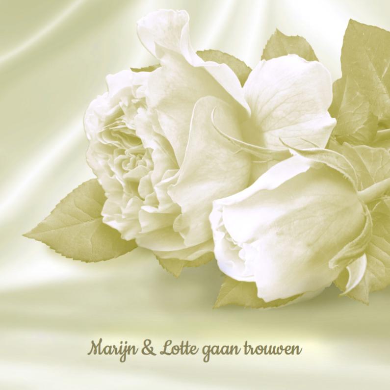 Trouwkaart met rozen op satijn 1