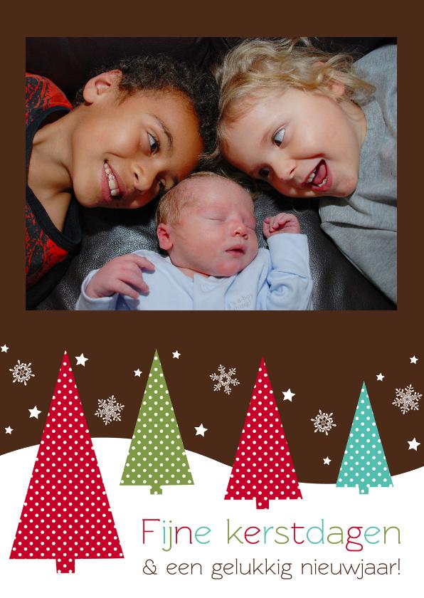Kerstkaarten - Bruine kerstkaart met kerstbomen