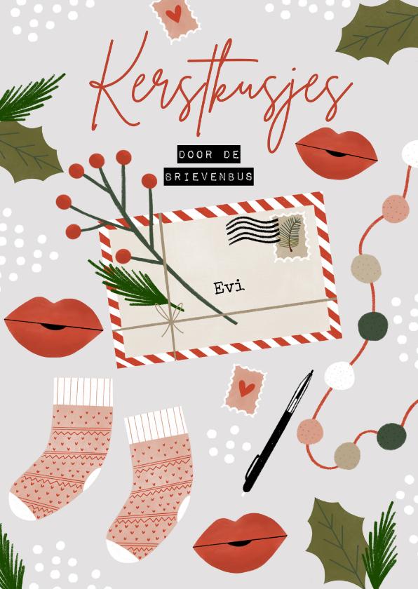 Kerstkaarten - Hippe kerstkaart kerstkusjes door de brievenbus