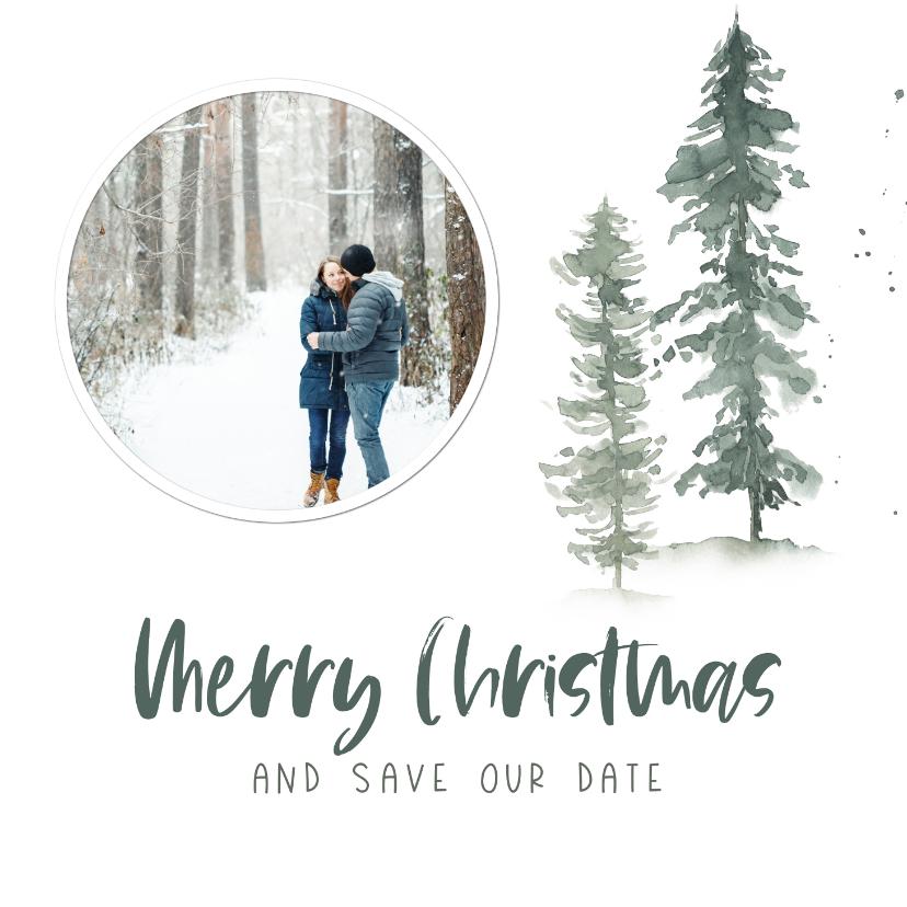 Kerstkaarten - Kerst save the date kaart met waterverf dennenbomen