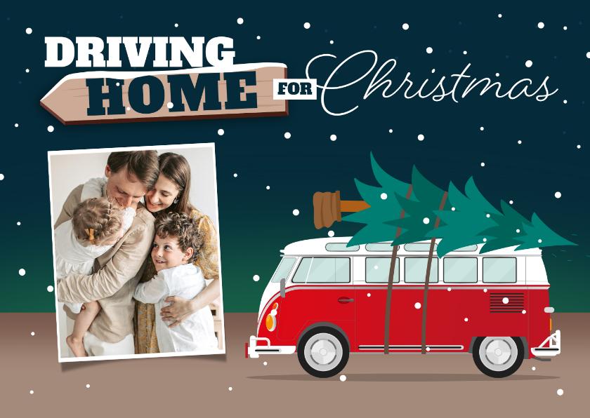 Kerstkaarten - Kerstkaart driving home for christmas foto kerstboom
