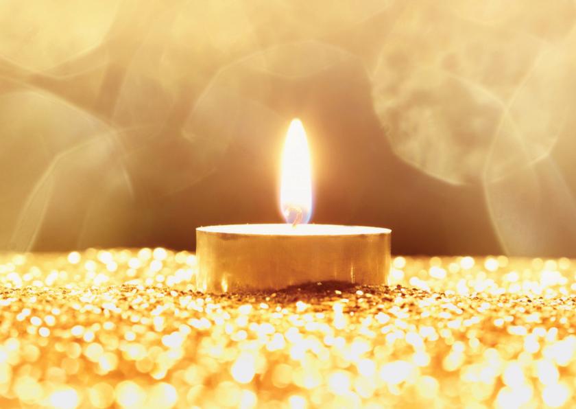 Kerstkaarten - Kerstkaart goudkleurig met kaarslichtje