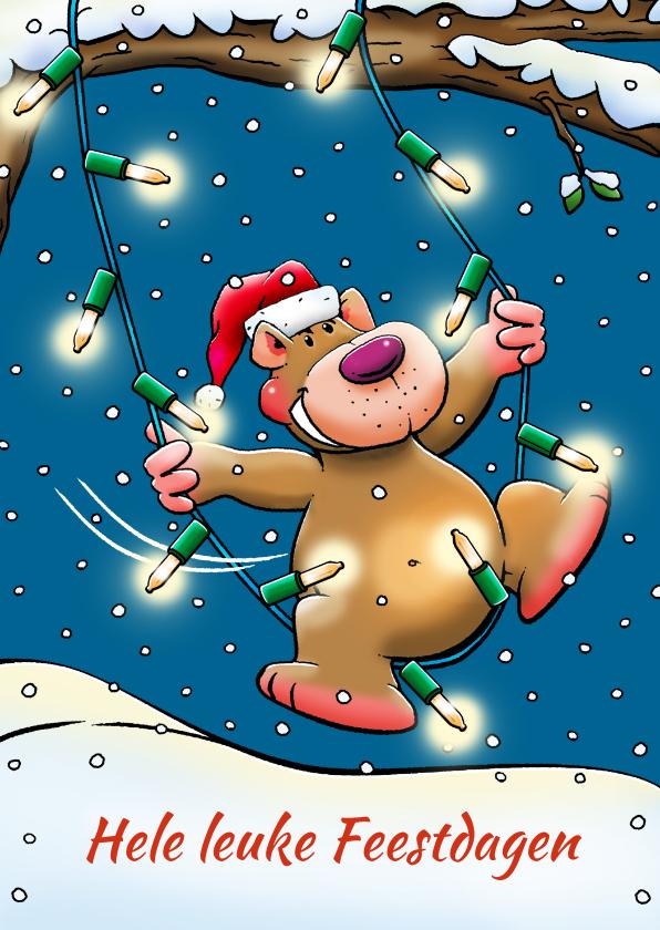 Kerstkaarten - Leuke kerstkaart met beertje, die schommelt kerstverlichting
