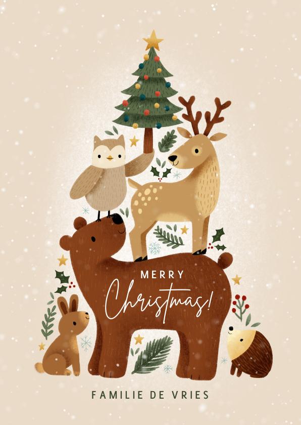 Kerstkaarten - Lieve kerstkaart met bosdieren in kerstboom vorm en sneeuw