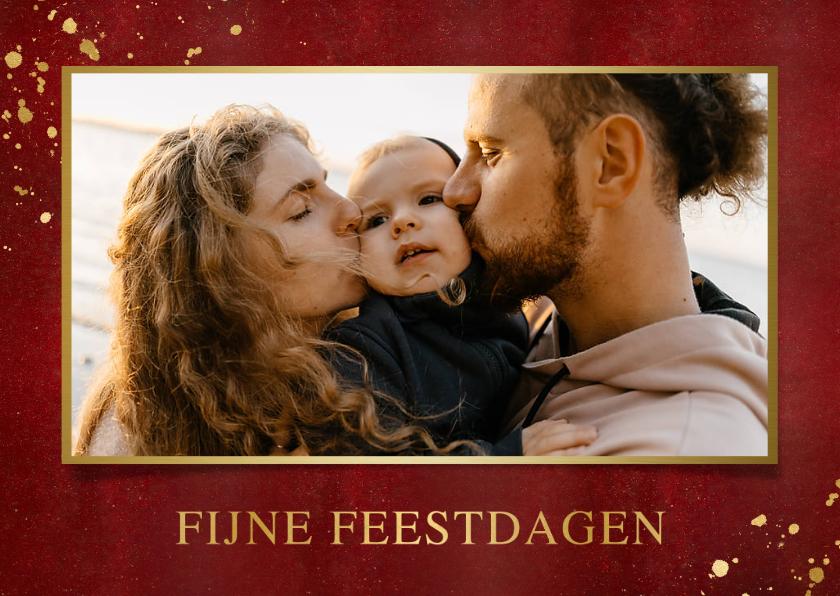 Kerstkaarten - Stijlvolle rood met gouden kerstkaart liggend met eigen foto