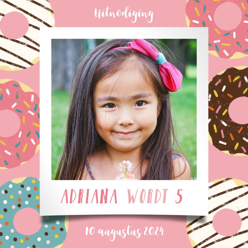 Kinderfeestjes - Leuke uitnodiging kinderfeestje met donuts en foto