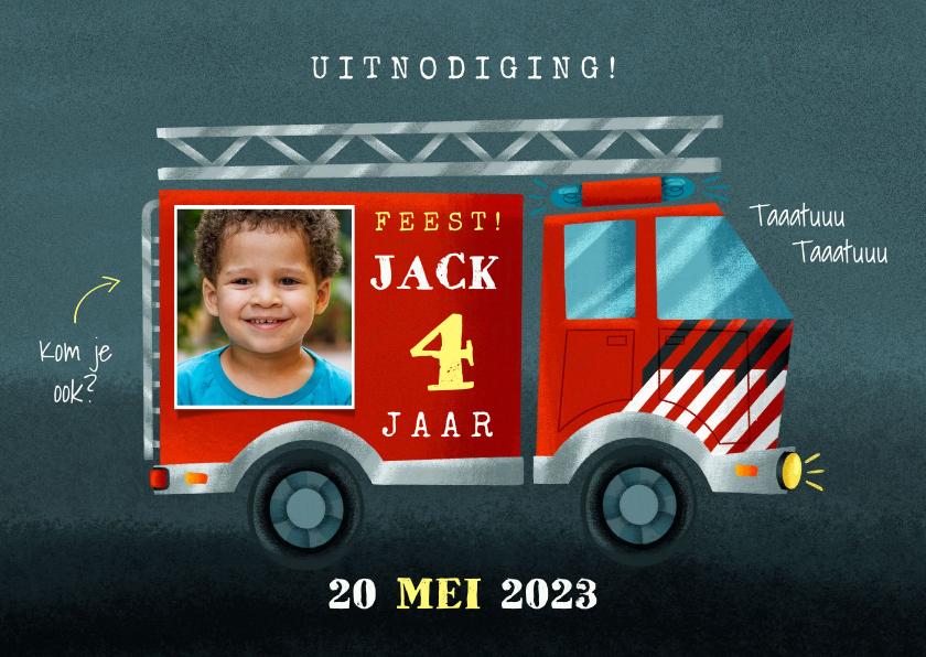 Kinderfeestjes - Stoere kinderfeestje kaart brandweerauto, foto en leeftijd