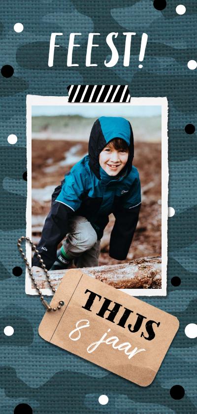 Kinderfeestjes - Stoere uitnodiging met label en legerprint