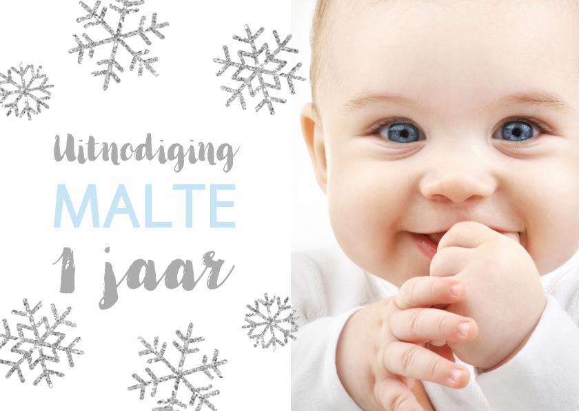 Kinderfeestjes - Uitnodiging 1 jaar foto jongen sneeuwvlokjes