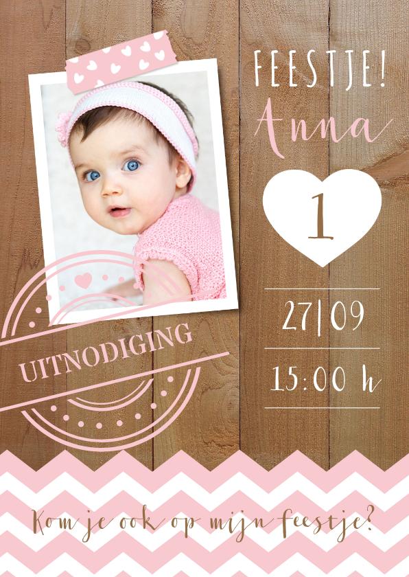 Kinderfeestjes - Uitnodiging 1de verjaardag foto, hout & hartje
