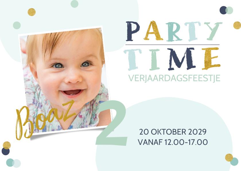 Kinderfeestjes - Uitnodiging jongen confetti en glitterlook