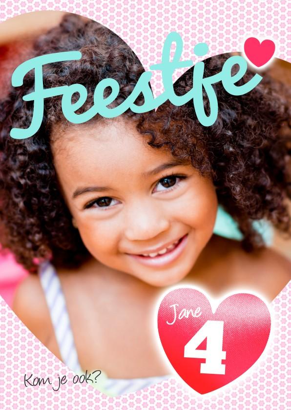 Kinderfeestjes - Uitnodiging meisje hartjes