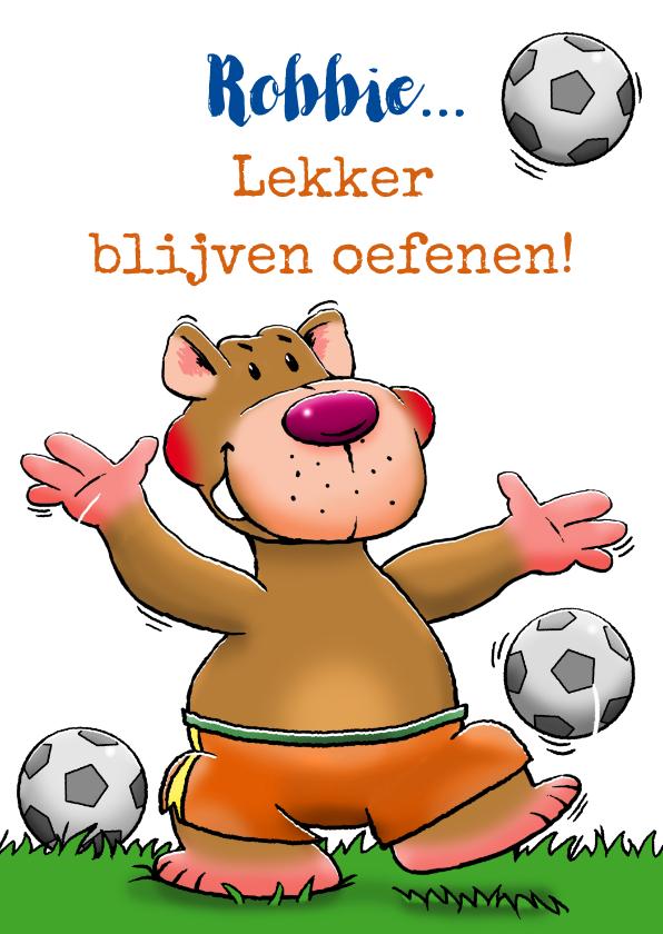 Kinderkaarten - Leuke kinderkaart met grappig voetballend beertje