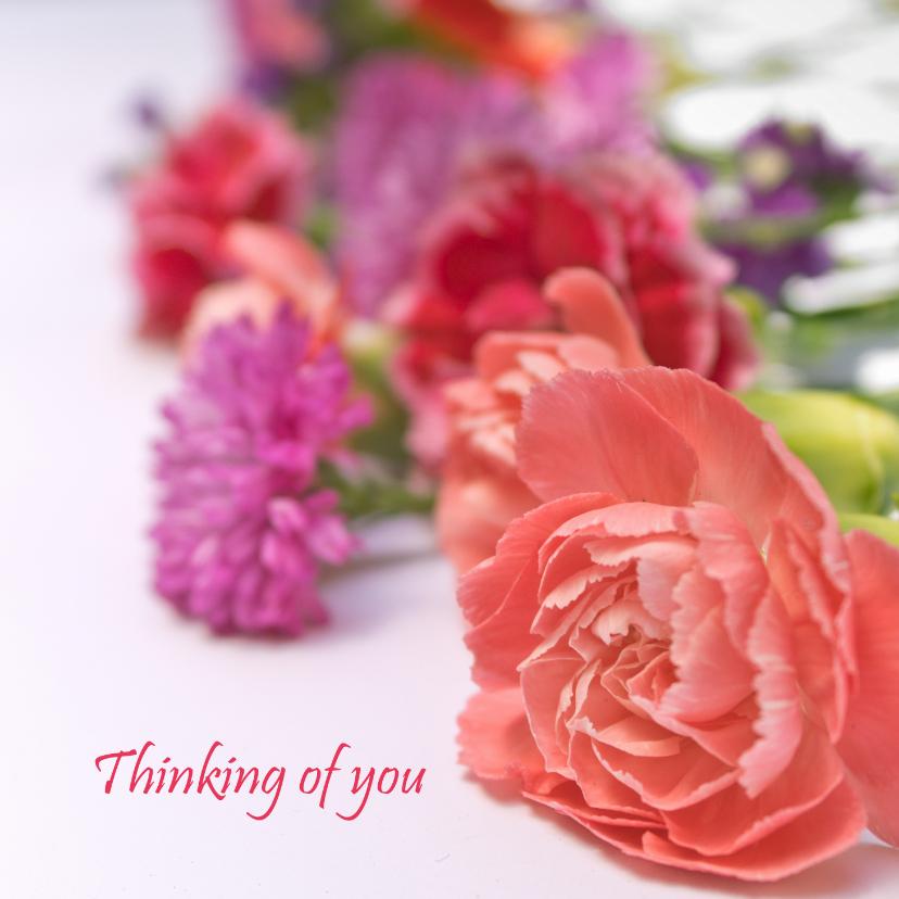 Liefde kaarten - Ik denk aan je kaart met paarse en roze bloemen
