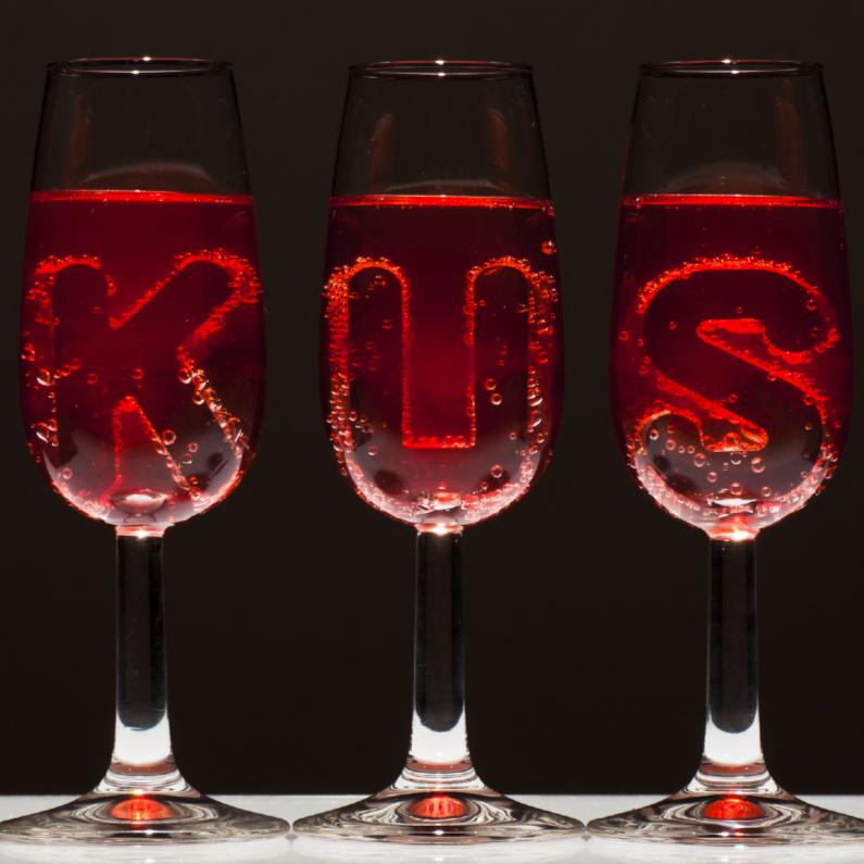 Liefde kaarten - KUS in champagne glazen