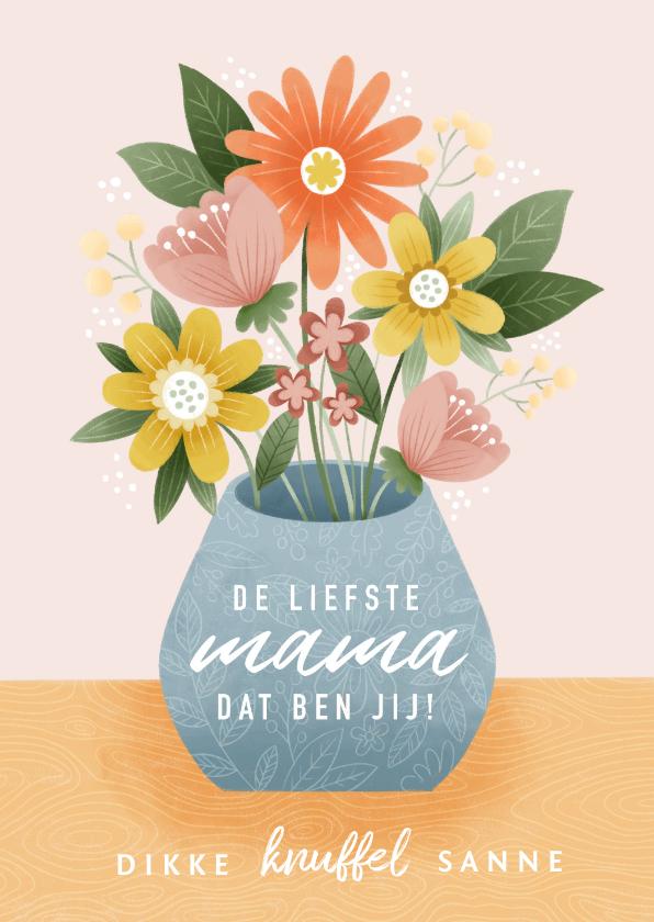 Moederdag kaarten - Vrolijke moederdag kaart bosje bloemen in vaas op tafel