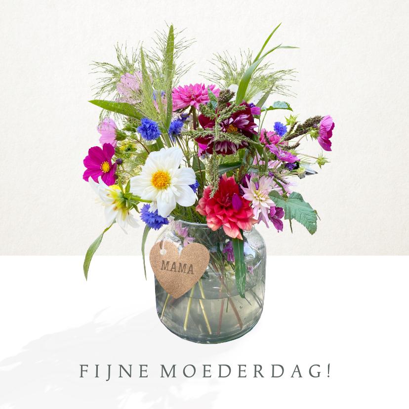 Moederdag kaarten - Vrolijke moederdagkaart met boeket veldbloemen in vaas