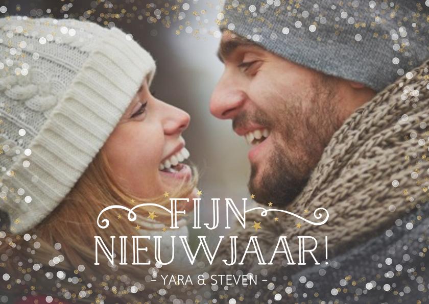 Nieuwjaarskaarten - Feestelijke nieuwjaarskaart liggend met foto en confetti