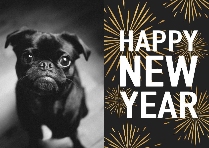 Nieuwjaarskaarten - Leuke nieuwjaarskaart met typografie en vuurwerk